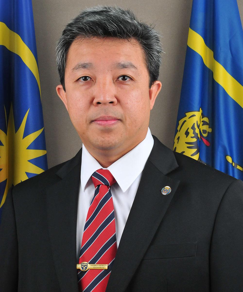 Professor Dr Mohd Hamdi Bin Abd Shukor